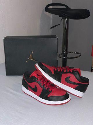 Air Jordan 1 Low Red-black-White (algo negociable)