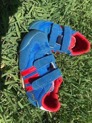 Zapatillas deportivas Adidas talla 22