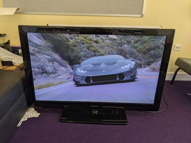 Samsung 50 inch Full HD TV not free