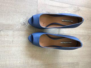 """Zapato tacón """"peep toe"""" azul"""