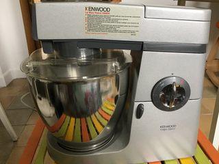 Robot de cocina Kenwood con accesorios extra