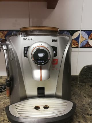 Cafetera automática Saeco Odea Giro Plus
