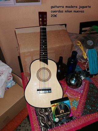 guitarra madera de juguete