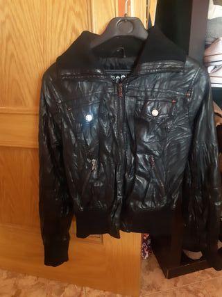 chaqueta cuero negra mujer