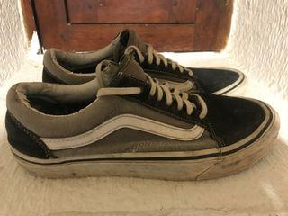 Zapatillas Vans gris, negro y blanco
