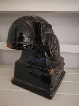 Vintage inspired decorative phone