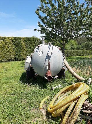 cisterna astilladora de leña