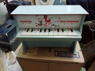 juguete piano pequeño antiguo de madera