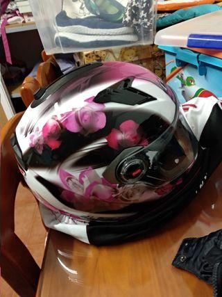 casco moto sin uso, está nuevo