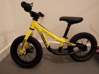 Commencal Ramones 12 balance bike
