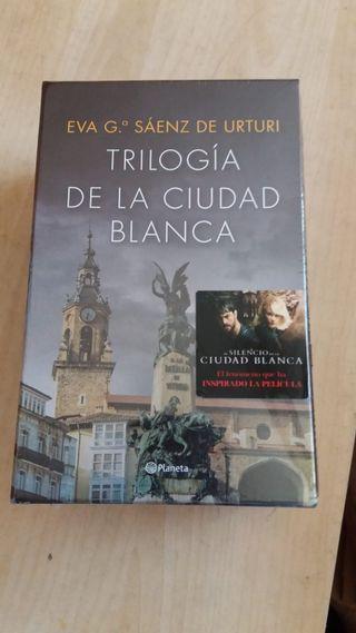 trilogía de la ciudad blanca. Eva M Sáenz de Urtur