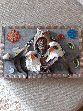 Caja de indio decorada