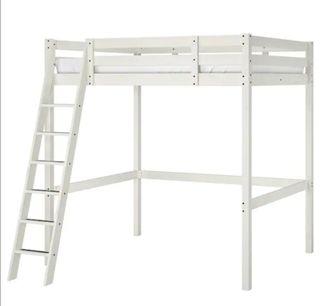 Excelente cama de matrimonio alta IKEA