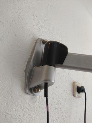 secador pelo profesional con brazo de pared