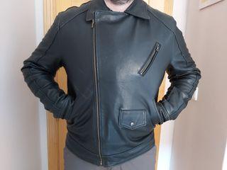 chaqueta negra de cuero hombre