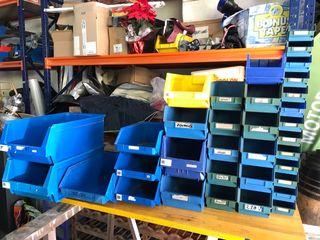 Gavetas o contenedores para almacenaje
