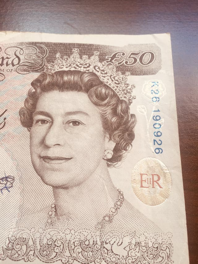 Old 50 pounds note Bank of England.