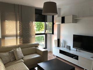 Sofa blanco de piel de diseño