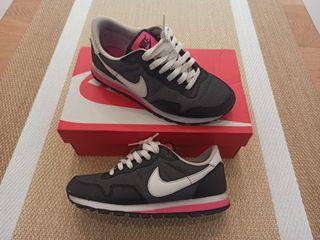 Zapatillas Nike T36.5 Negro-rosa