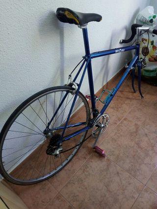 bicicleta antigua o clasoca