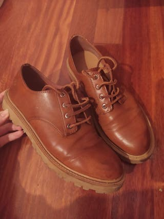 Zapato camel vintage pull and bear