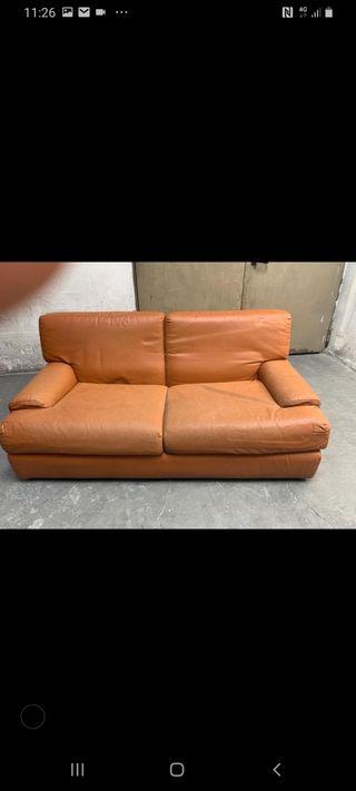 sofa vintage de piel marron