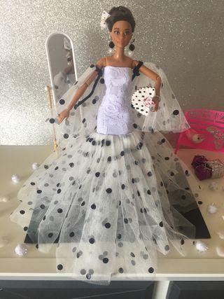 Ropa Barbie.