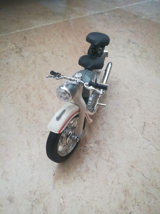 Maqueta moto clásica