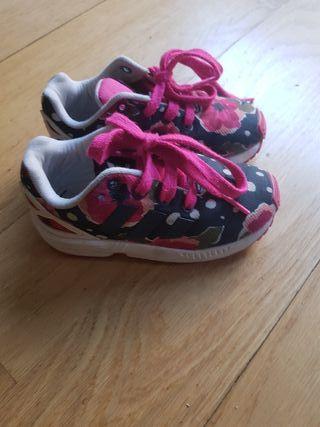 Zapatillas de niña Adidas t.24