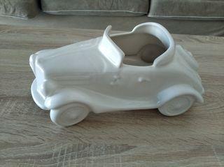 Coche de cerámica