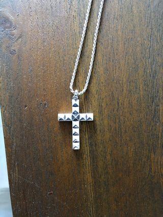 Colgante cruz de Thomas Sabo