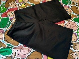 Pantalón pernera ancha y pinzas de raso. Blanco.