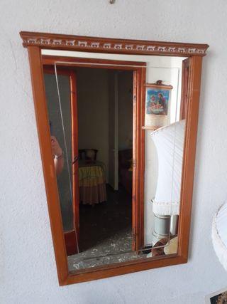 Espejo y perchero madera antigüo