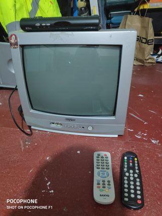 TV con TDT y soporte para pared