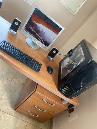 PC+Pantalla+altavoces+teclado y ratón