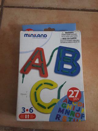 Juguete infantil Miniland letras