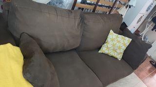 Amplio sofá 2 plazas y medio, negociable