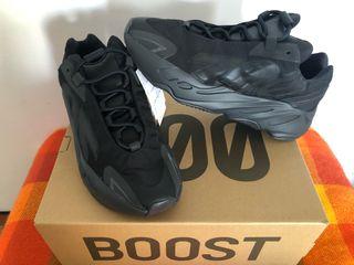 Zapatillas Adidas 700 MNVN