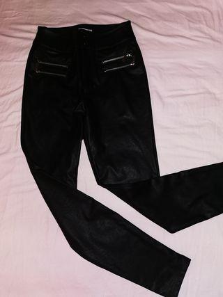 Pantalón de látex negro