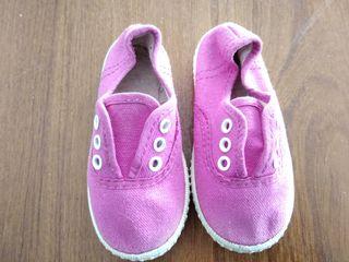 Zapatillas de lona rosa talla 23.