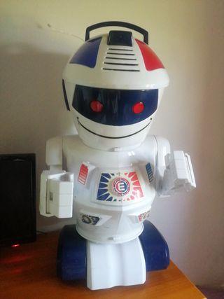 robot Emilio