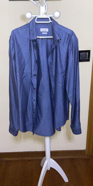 Camisa en tono azul
