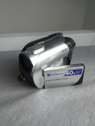 video cámara Sony handycam DCR-DVD 106E