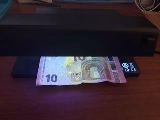Detector de billetes falsos Carrefour