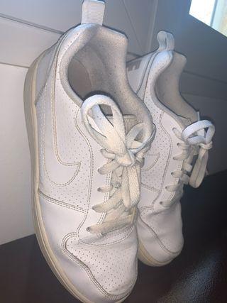 Deportivas Nike blancas