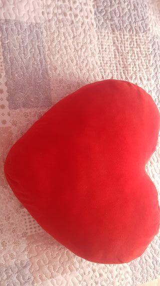 cojin corazon grande
