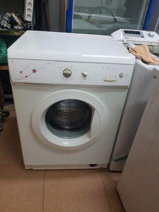 lavadora Edesa de 6 kilos