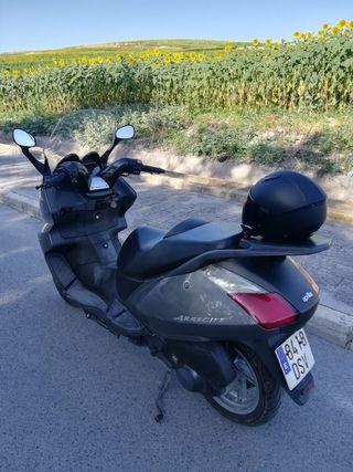 se vende moto aprilia arrecife 250cc