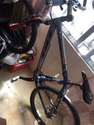 se vende bicicleta BH montaña