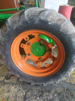 ruedas y caja de cambios motocultor agria